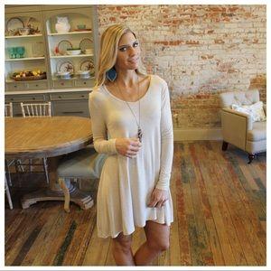 ✨RESTOCKED✨Oatmeal long sleeve V neck dress